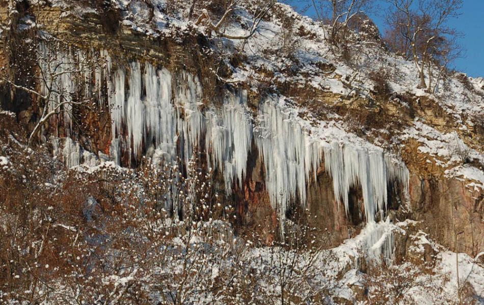 Plaunscher Grund, Eiszapfen am Plänersandstein aus der Kreidezeit