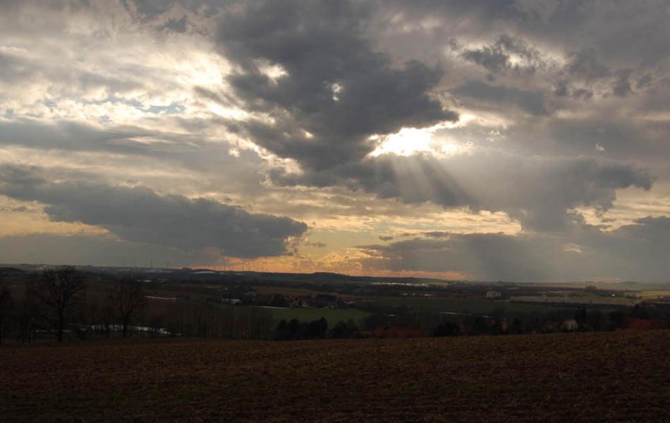 Wolken über Abendlandschaft